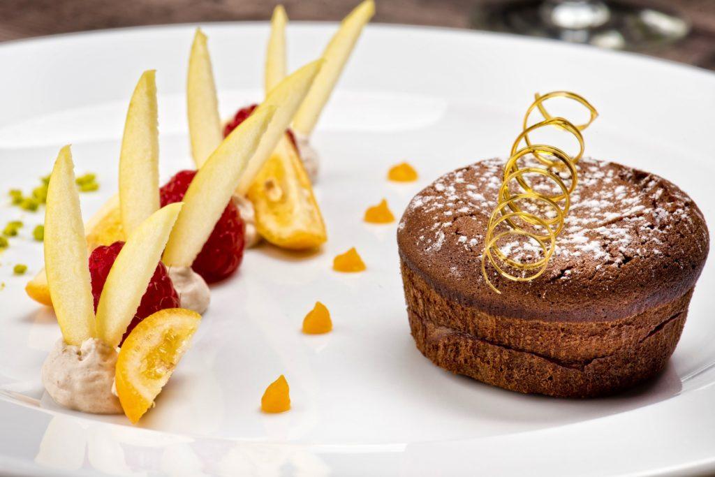 Vous aimez le chocolat ? Vous êtes gourmand ? Alors vous allez adorer notre Moelleux au chocolat 65%, CUIT A LA MINUTE !!!