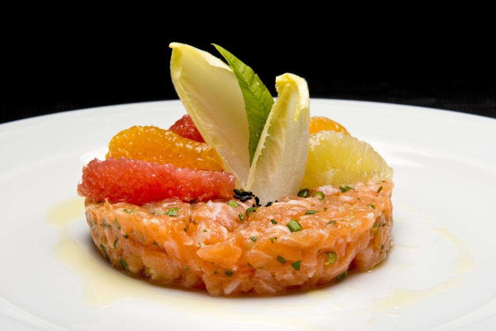 tartare de saumon aux agrumes.